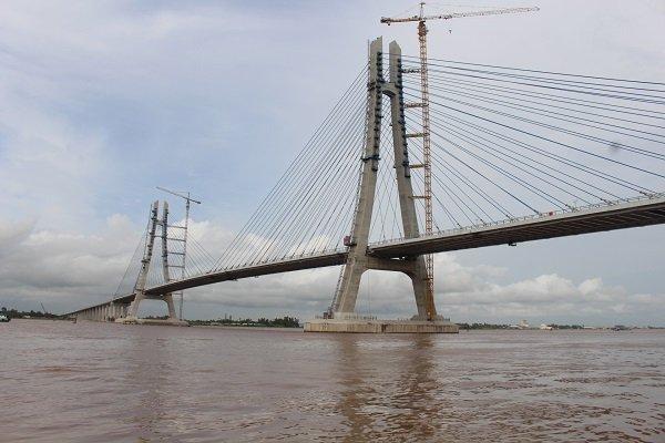 Thủ tướng chỉ đạo dự án cầu Vàm Cống phải đưa vào khai thác trong tháng 6-2019. Trong ảnh là dự án cầu Vàm Cống nối Cần Thơ và Đồng Tháp. Ảnh: Trung Chánh