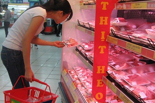 Giá thịt heo tăng nhẹ sau khi kiểm soát được dịch tả heo châu Phi. Ảnh: Thành Chung