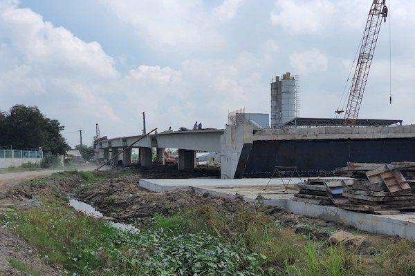Đoạn cao tốc Trung Lương - Mỹ Thuận đang thi công xây dựng. Ảnh: Trung Chánh