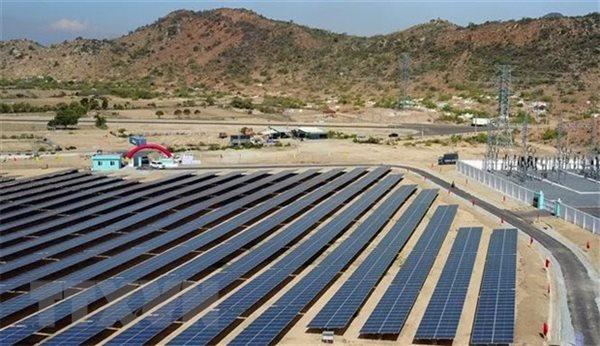 Cần khuyến khích đầu tư công nghệ lưu trữ điện mặt trời